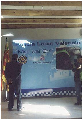TRASERA POLICIA